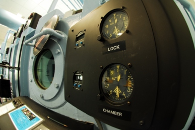 High Altitude Chamber: Gauges